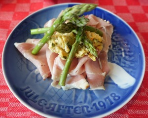 christmas-asparagus-and-cured-ham-1907556_1280