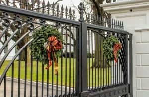 Christmas Writing Tips. Using Wreaths on Gates. Beautiful